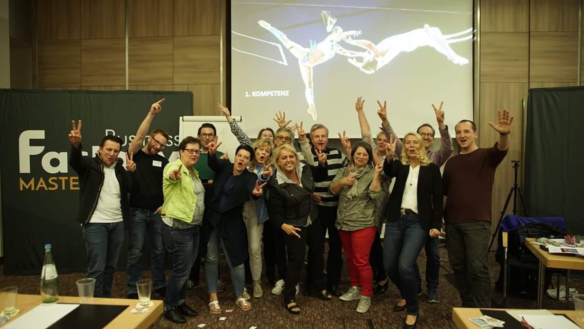 Business Factory Masterclass Gruppenfoto, Pure Energie wird in dieser Gemeinschaft freigesetzt. Ideen entwickelt und umgesetzt.